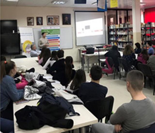 CEDEF EDUKACIJA: CEDEF TIM U MISIJI SA MLADIMA - U PROJEKTU 2017-2019 ODRŽANE OBUKE ZA 15000 UČENIKA OSNOVNIH I SREDNJIH ŠKOLA